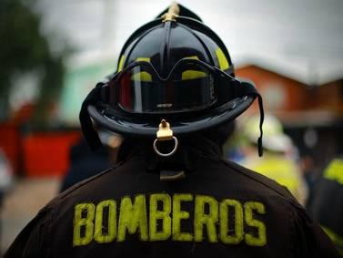 Un sumario y suspensión de los involucrados: Bomberos de Ñuñoa apacigua el fuego de la denuncia por agresión a voluntario