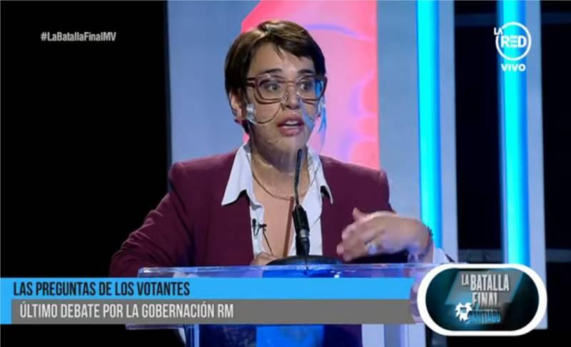 Karina Oliva hablando de Naya Fácil.