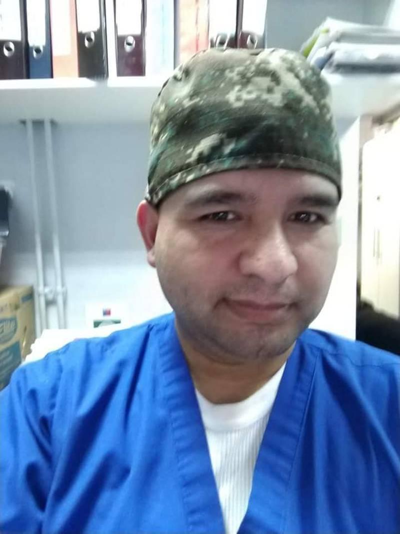 El técnico en enfermería Moisés Bustos.