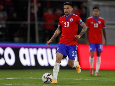 Los inconvenientes de Charles Aránguiz tras su participación con la Roja en las eliminatorias