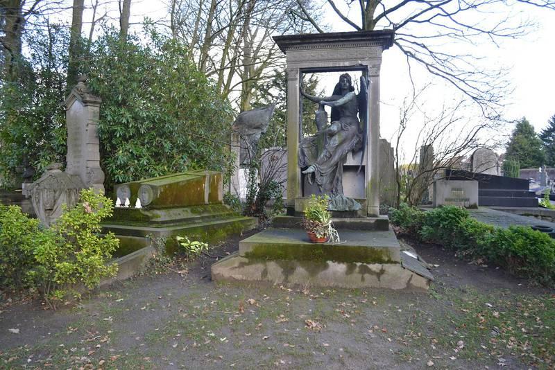 El cementerio del ataque a la adolescente.