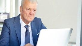 Web ayuda a profesionales mayores de 50 a buscar pega
