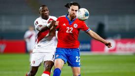 Arturo Vidal, Paulo Díaz y Luis Jiménez asoman en el equipo titular de la Roja frente a Paraguay