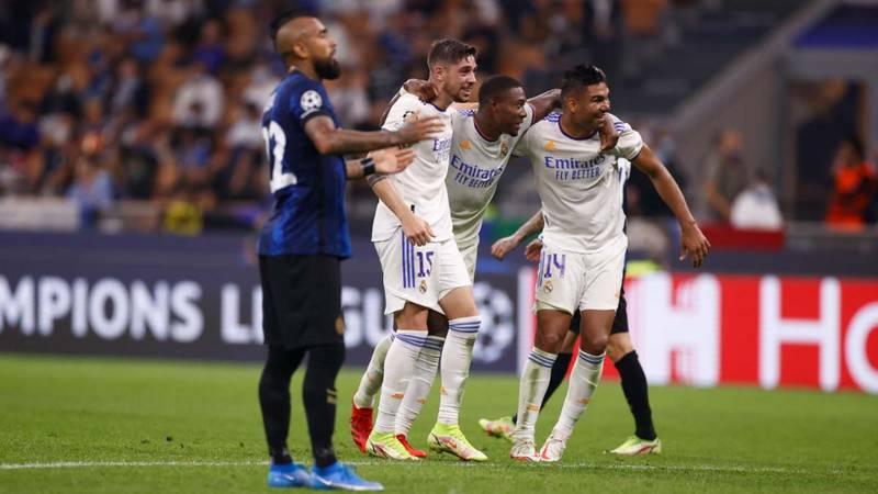 Vidal sufriendo ante el Real Madrid