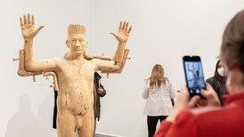 """Así es """"Metamorfosis"""": la hermosa muestra del escultor nacional Osvaldo Peña"""