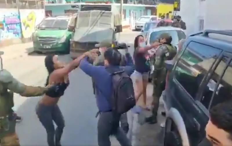 Violento desalojo en Iquique.