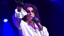 ¡Qué heavy para un rockero! Ahora Alice Cooper baila tap y en sus shows se acompaña con serpientes